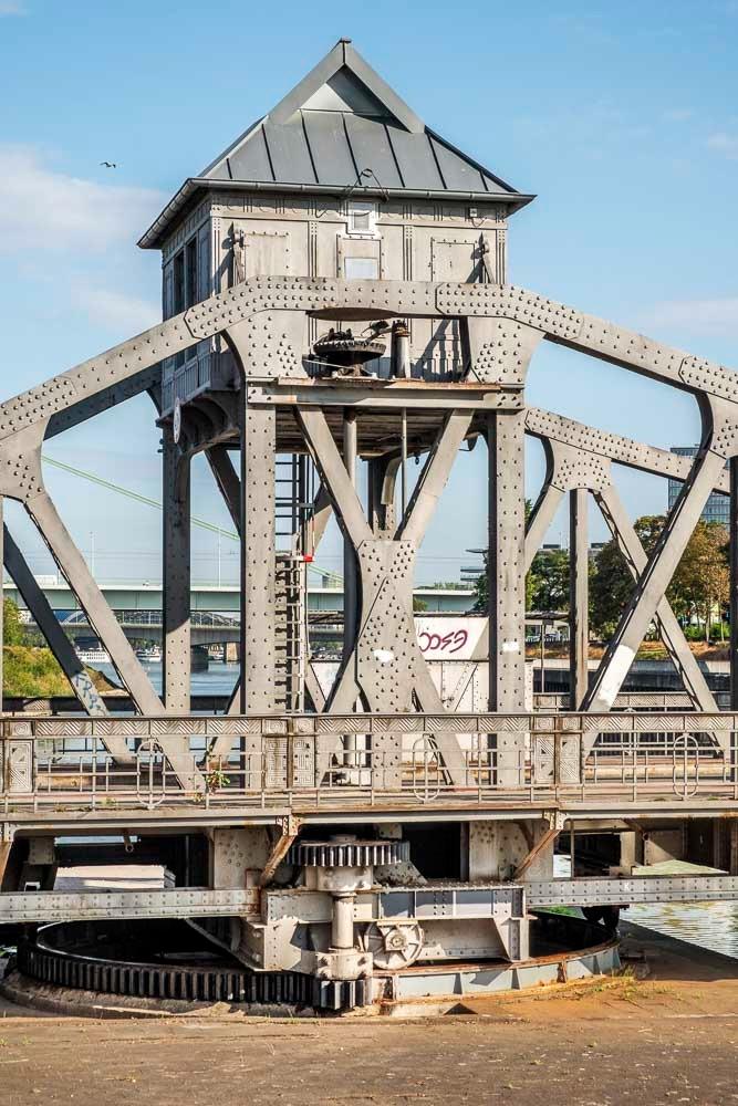 Maschinenhaus der Drehbrücke